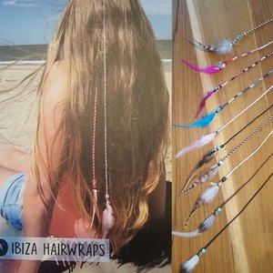 Ibiza hair wraps met veertje en bedel